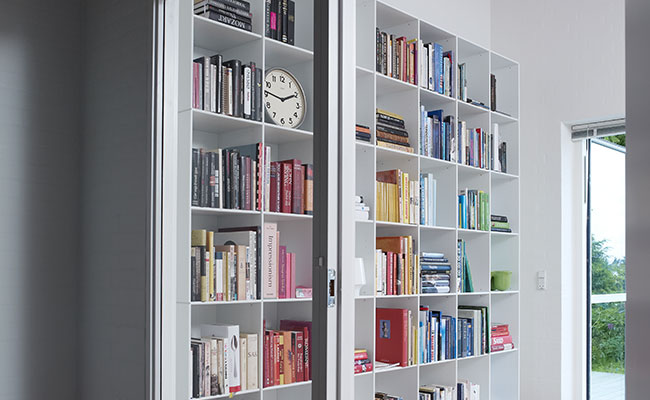 Al uw lievelingsschrijvers overzichtelijk bij elkaar in een boekenkast van theCabinetshop.