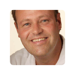 Michel Versteeg - EmComm, adviseur, projectleider, content manager, energieke generalist met 25 jaar ervaring in communicatie en marketing.