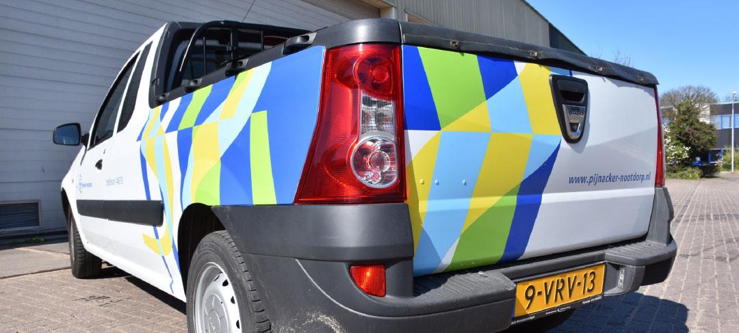 HSTotaal ontwerpt autobelettering voor Pijnacker-Nootdorp